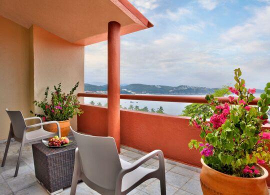 balcon junior suite las brisas huatulco